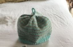 Striped baby hat. Pattern here: http://www.purlsoho.com/create/2013/10/22/whits-knits-line-weight-hats-for-newborns/