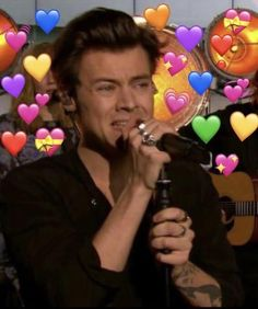 Anonymous said: harry styles defense squad? 5sos Memes, Memes Br, 5sos Facts, 5sos Funny, Harry Styles Memes, Heart Meme, Heart Emoji, Harry 1d, One Direction Memes