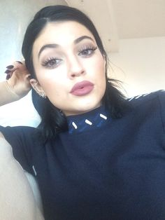 Kylie Jenner her lips are drawn @miiszlauraa
