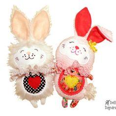 DollsAndDaydreams / The White Rabbit Sewing Pattern