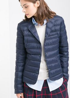 Blazer style ultra-light water-repellent feather down jacket with snap button fastenings through front, notched lapels, twin flap pockets, welt pocket on the chest and buttoned cuffs. It includes a small bag to store the garment. Mom Outfits, Office Outfits, Fall Outfits, Business Casual Outfits, Professional Outfits, 2014 Fashion Trends, Jackets For Women, Clothes For Women, Blazer Fashion