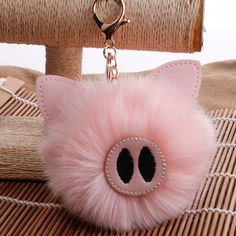 Pig Crafts, Animal Backpacks, Cute Piggies, Cute Keychain, This Little Piggy, Rabbit Fur, Toys For Girls, Creations, Handmade