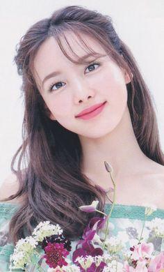 Kpop Girl Groups, Korean Girl Groups, Kpop Girls, Twice Album, Nayeon Twice, Im Nayeon, Best Albums, Girl Face, Sweet Girls