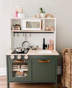 DIY Ikea Duktig play kitchen hack in stylish dark shades Ikea Kids Kitchen, Diy Kitchen, Kitchen Design, Kitchen Rules, Kitchen Hacks, Kitchen Utensils, Hacks Cocina, Ikea Toys, Cuisines Diy