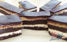 Hnětení koláček plný tvarohu a čokoládového pudinku. Pokud máte rádi tvarohové koláčky, doporučujeme vyzkoušet tento. Mňam!
