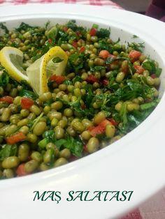 Yoğun geçen hafta sonunun ardından,hafif bir tarifle yeni haftaya giriş yapalım istedim:)) Bu akşamın tarifi maş fasülyesi salatası..Şim...