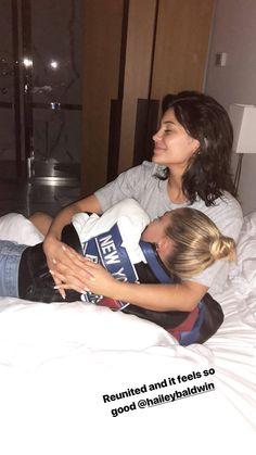 Hailey Balwin & Kylie Jenner