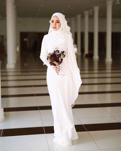 Hijab Wedding: Likes, 102 Comments - Pastelina Batik : 25 Nov (Ace Methpra. Hijab Wedding: Likes, 102 Comments – Pastelina Batik : 25 Nov (Ace Methprajak) on Instagr… Muslimah Wedding Dress, Muslim Wedding Dresses, Muslim Brides, Muslim Dress, White Wedding Dresses, Bridal Dresses, Bridesmaid Dresses, Malay Wedding Dress, Making A Wedding Dress