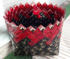 Diy And Crafts, Arts And Crafts, Paper Roll Holders, Modular Origami, Coffee Packaging, Wine Rack, Baskets, Paper, Manualidades