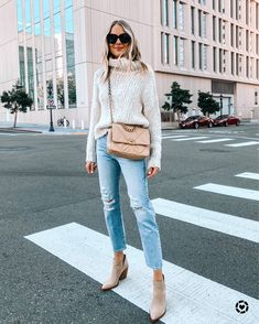 Fashion Jackson Wearing Topshop Chunky Sweater Frame Ripped Jeans Tan Suede Booties Chanel 19 Dark Beige Handbag Source by fashion_jackson outfits summer Style Blog, Fashion Blogger Style, Mode Style, Look Fashion, Fashion Outfits, Workwear Fashion, Fashion Blogs, Fashion 2020, New Outfits
