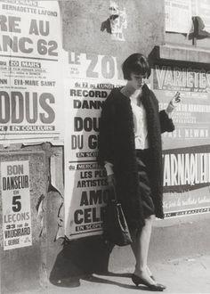 Photographe anonyme. Anna Karina sur le tournage du film de Jean-Luc Godard, « Vivre sa vie » 1962. - Exposition Ecritures - Lumière des roses: