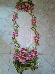 Pintura em tecido - postado no grupo Cantinho das Pinturas do Facebook. Acho que depois de pintado tem que passar termolina.