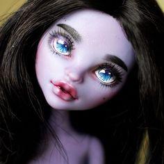 https://www.etsy.com/listing/526401752/monster-high-ooak-jane-boolittle-repaint?ref=shop_home_active_5 #doll #dollstagram #dollcustom #dollphotography #toy #toyphotography #monsterhigh #ooak #repainted #dollface #ooak #repaint #mattel #faceup #makeup #monsterhigh #monster_high #monsterhighdoll #doll #dollsale #dollcustom #dollartist #monster_high_ooak #monster_high_repaint #monster_high_sale