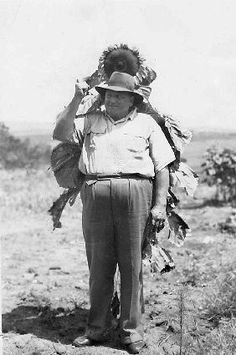 """Aa Frederick Baldwin Prollius (Oupa Dad) """"Me and my Sunflower"""" Ww1 Soldiers, Canadian Soldiers, Canadian Army, British Soldier, Military Photos, Military History, World War One, First World, Royal Canadian Navy"""