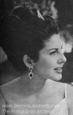 Queen Soraya............http://www.pinterest.com/madamepiggymick/arab-royalty-iran/