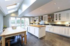 Kitchen Remodeling Plan Side return and kitchen layout, would need windows in that left hand wall Kitchen Diner Extension, Open Plan Kitchen, Kitchen Layout, New Kitchen, Kitchen Decor, Kitchen Ideas, Kitchen Modern, Modern Windows, House Extensions
