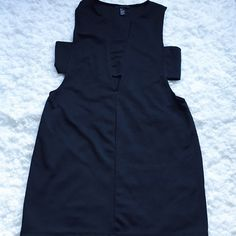 Like New, Black Cut -oUt Dress worn only once during posh meet -up. Havent worn since. sexy as it gets and sets in the right places. Forever 21 size L. Like New. Forever 21 Dresses