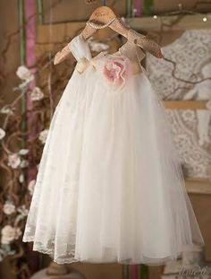 Βαπτιστικά ρούχα, φόρεμα Vinte li με δαντέλα 2202Ε