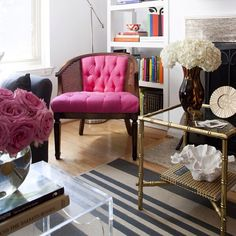 The gorgeous home of @thepursuitofstyle is featured today. Photo by Stacy Zarin-Goldberg. #onggtoday #styleathome