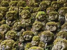 Kyoto, Japan - Stone Statues in Otagi Nebutsuji Temple in Kyoto. Image by © Rudy Sulgan/Corbis Japanese Temple, Stone Statues, Angel Statues, Buddha Statues, Music Artwork, Ancient Ruins, Kyoto Japan, Hd Backgrounds, Wallpapers