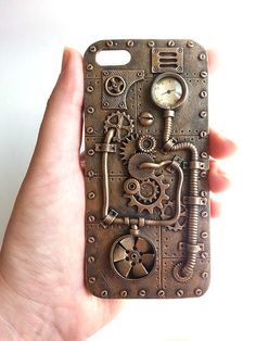 Funda Steampunk para iPhone 5 - Gadgets World 2020 Steampunk Cosplay, Chat Steampunk, Design Steampunk, Arte Steampunk, Style Steampunk, Steampunk Crafts, Steampunk Gadgets, Steampunk Fashion, Gothic Fashion