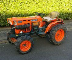 Kubota Compact Tractor, c/w snow blade and spreader Kubota Tractors, Compact Tractors, Link