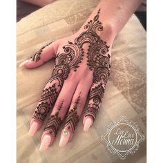 Super ideas for one with nature tattoo summer Palm Henna Designs, Finger Henna Designs, Mehndi Designs For Girls, Mehndi Design Pictures, Unique Mehndi Designs, Mehndi Designs For Fingers, Henna Designs Easy, Beautiful Henna Designs, Latest Mehndi Designs