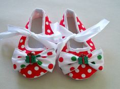 Girls Christmas baby shoes infant crib shoes by MaggieMayeDesigns, $15.00