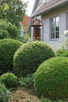 Lillebas trädgård - entrésidan