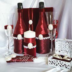 Купить или заказать Марсала-набор аксессуаров в интернет-магазине на Ярмарке Мастеров. Свадебный набор в бордовом цвете(марсала) Декор бутылок,бокалы,свечи. Броши в ассортименте На заказ в любом цвете,в любом цветовом сочетании. Изготовление в любой цветовой гамме,для любой тематической свадьбы и одном дизайне,от приглашений-до рассадки гостей,для Вашего торжества. Доставка в Москву бесплатная по выходным. Контакты в профиле Больше работ на моем сайте(ссылка в профиле) Посмотреть полностью…