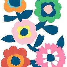 Loving me a sixties style chunky floral at the moment #printdesign #patternbank #patternbankdesigner #australiandesigner #surfacedesign #surfacepattern #licensing IG: @elephantandrose