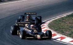 Mario Andretti and Ronnie Peterson in the Lotus 79, Zandvoort 1978. (i.imgur.com)