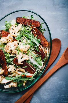 cinnamon roasted cauliflower & tempeh bacon salad with sprouts & apple | recipe via willfrolicforfood.com