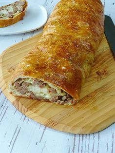 Breakfast casserole sausage bread meals Ideas for 2019 Sausage Recipes, Cooking Recipes, Budget Cooking, Oven Recipes, Vegetarian Cooking, Easy Sausage Bread Recipe, Easy Cooking, Stuffed Bread Recipes, Cooking Okra
