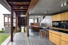 Beautiful Houses: South Coast Residence