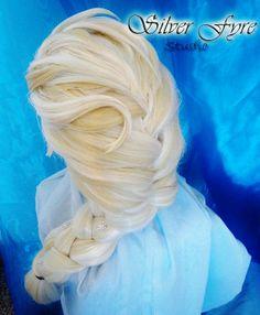 I will have this wig! Elsa Frozen, Frozen Hair, Disney Frozen Party, Frozen Dress, Elsa Cosplay, Cosplay Diy, Frozen Cosplay, Disney Cosplay, Cosplay Ideas