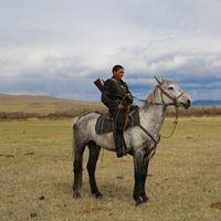Cazador de Jakasia en la estepa siberiana.