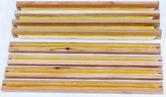 Warré top-bars with wax starter-strips / Porte-rayons Warré avec amorces de cire