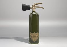 Champagne Extinguisher Dimension 64 x 18(d) cm Mixed materials