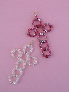 seed bead cross pattern These crosses are made with pressed glass beads and and 28 Jewelry Patterns, Beading Patterns, Bracelet Patterns, Beaded Jewelry Designs, Cross Patterns, Beaded Earrings, Beaded Bracelets, Peyote Bracelet, Fringe Earrings