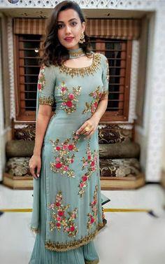 Party Wear Indian Dresses, Pakistani Fashion Party Wear, Designer Party Wear Dresses, Indian Gowns Dresses, Indian Fashion Dresses, Dress Indian Style, Pakistani Dress Design, Indian Wedding Outfits, Pakistani Dresses