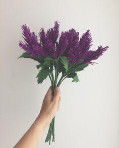 """190 curtidas, 4 comentários - Annita Handcrafted Wedding (@annitaloja) no Instagram: """"Colhi agora pela manhã!  #paperflowers #flordepapel #cartotecnicarossi #crepepaperrevival"""""""