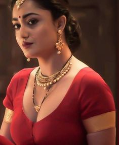 Beautiful Bollywood Actress, Most Beautiful Indian Actress, Beautiful Actresses, South Indian Actress Photo, Indian Actress Hot Pics, Actress Pics, Indian Actresses, Beautiful Girl Image, Beautiful Asian Girls