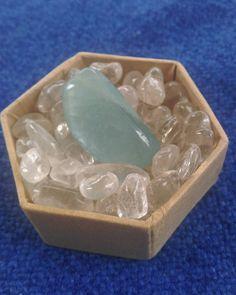 Edelsteinbad #beryll #baden #bergkristall #trommelsteine #energie #steine #steinbad #steinpflege #kristall #crystal #aufladen #charmingspirits 21st, Spirit, Charmed, Instagram Posts, Minerals, Crystals, Bathing