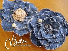 Wonderful Choose the Right Fabric for Your Sewing Project Ideas. Amazing Choose the Right Fabric for Your Sewing Project Ideas. Denim Flowers, Cloth Flowers, Burlap Flowers, Fabric Flowers, Jean Crafts, Denim Crafts, Fabric Crafts, Sewing Crafts, Sewing Projects