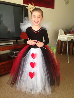 No sew queen of Hearts costume