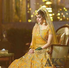 Fave😍😍😍❤ Pakistani Mehndi Dress, Rajasthani Dress, Bridal Mehndi Dresses, Beautiful Pakistani Dresses, Mehendi Outfits, Pakistani Wedding Outfits, Indian Bridal Outfits, Bridal Lehenga, Indian Bridal Photos