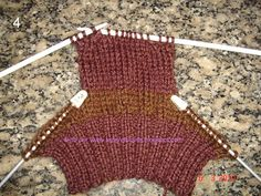 How to Crochet Mobile Cell Phone Pouch for iPhone Samsung - Crochet Ideas Knitting Socks, Baby Knitting, Knitted Hats, Crochet Hats, Mobiles En Crochet, Crochet Mobile, Knitting Designs, Knitting Patterns, Crochet Patterns