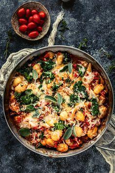 potato gnocchi recipe with prosciutto and kale