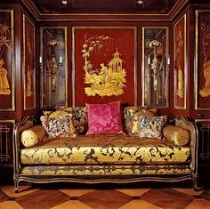 An exploration of Chinoiserie in interior design from its beginning in century Europe through today, the allure of the exotic Orient. Exotic Bedrooms, Chateau Hotel, Asian Home Decor, Interior Decorating, Interior Design, Zen Decorating, Chinoiserie Chic, Classic Interior, Architectural Digest